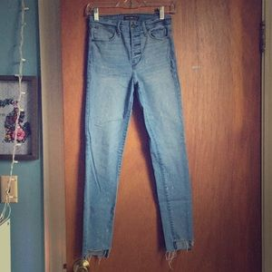 A&F High Waisted Skinny Size 26 Light Washed Jeans